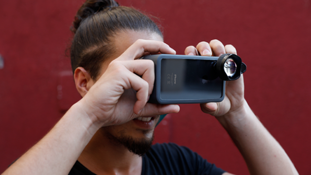 The OKO smartphone viewfinder promises to help you take a better photo