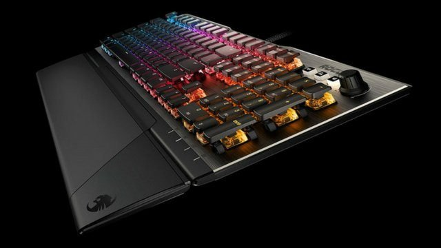 Roccat Vulcan 120 Review Side View