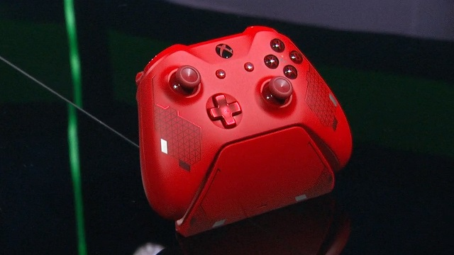 Xbox One sport red controller