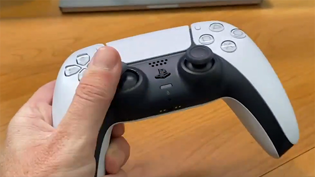 Here's Geoff Keighley holding a PS5 controller