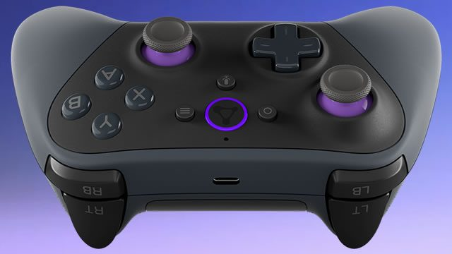 Which controllers does Amazon Luna support?